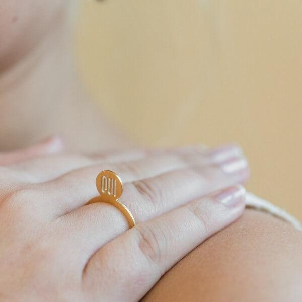 veduta-symbolringe-oui-schmuck-edelstahl-vergoldet-hochzeit-verlobung-braut