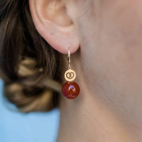 Ohrhänger Brezel mit Edelstein